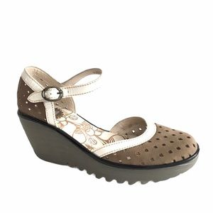 FLY LONDON Wedge Sandal Ankle Strap Closed Toe 38